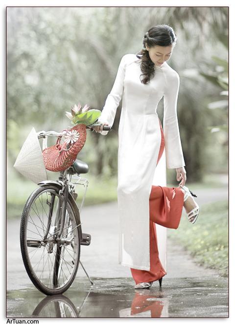 アオザイとかいうベトナムの民族衣装がクッソエロいwwwwww★民族衣装エロ画像・35枚目の画像