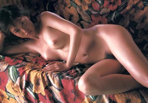 原千晶のヘアヌード★大分エロい美乳と勃起トリガーのマン毛wwwww★芸能お宝エロ画像・6枚目の画像