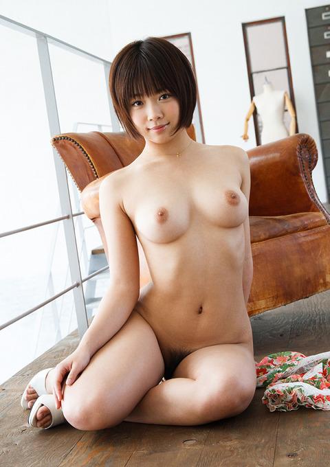 紗倉まなの全裸で誘惑★乳とマン毛のバランス良すぎwwwww★紗倉まなエロ画像・8枚目の画像