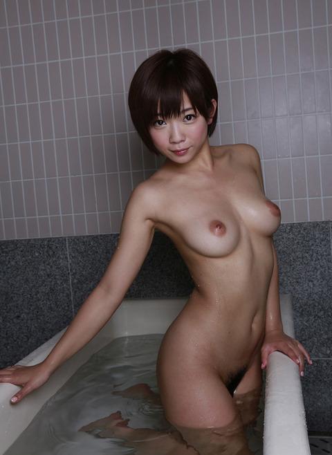 紗倉まなの全裸で誘惑★乳とマン毛のバランス良すぎwwwww★紗倉まなエロ画像・5枚目の画像