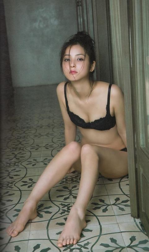 佐々木希のパンティ姿で即勃起必至wwwww★佐々木希エロ画像・19枚目の画像