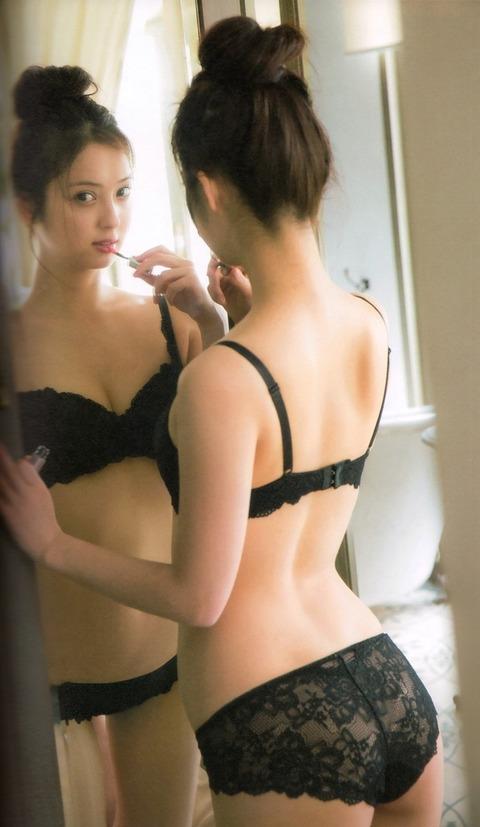 佐々木希のパンティ姿で即勃起必至wwwww★佐々木希エロ画像・16枚目の画像
