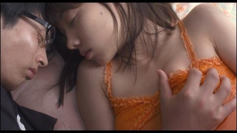 芸能人の濡れ場画像まとめ★桐谷美玲、長澤まさみ、道重さゆみetc…・28枚目の画像
