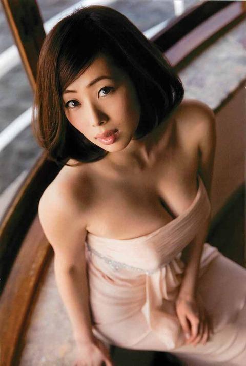 和香パイの妊娠記念にエゲツない色気がある画像wwwwww★井上和香エロ画像・18枚目の画像