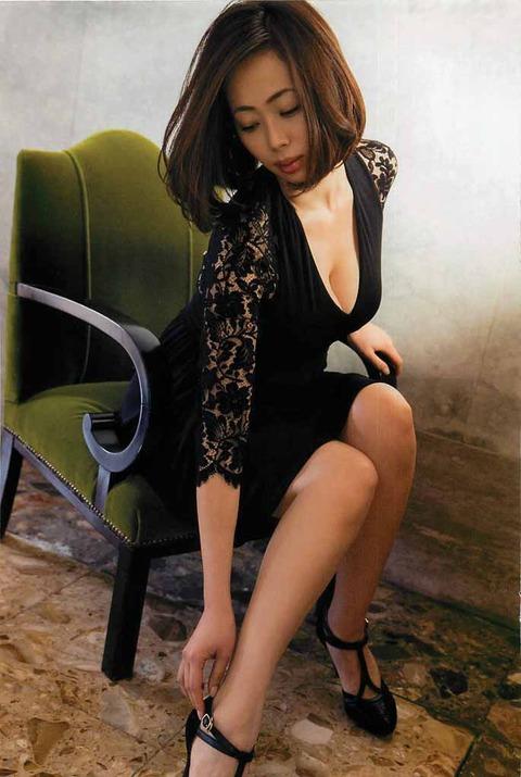 和香パイの妊娠記念にエゲツない色気がある画像wwwwww★井上和香エロ画像・10枚目の画像
