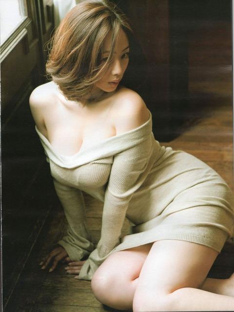 和香パイの妊娠記念にエゲツない色気がある画像wwwwww★井上和香エロ画像・2枚目の画像