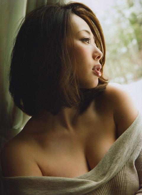 和香パイの妊娠記念にエゲツない色気がある画像wwwwww★井上和香エロ画像・1枚目の画像