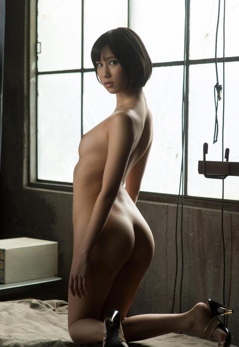 ショートカット美少女のあばら骨がエロいんだがwwwwww★湊莉久エロ画像・12枚目の画像