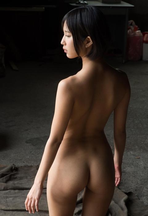 ショートカット美少女のあばら骨がエロいんだがwwwwww★湊莉久エロ画像・5枚目の画像