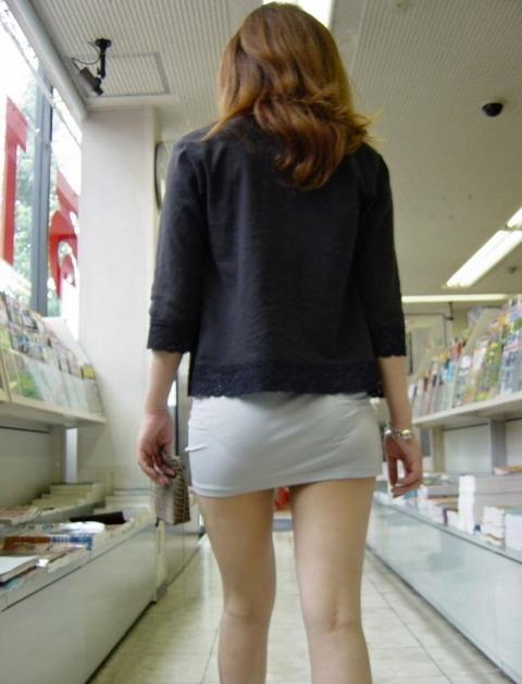 パンツが柄まで透けちゃってますがwwwwww★素人街撮りエロ画像・17枚目の画像