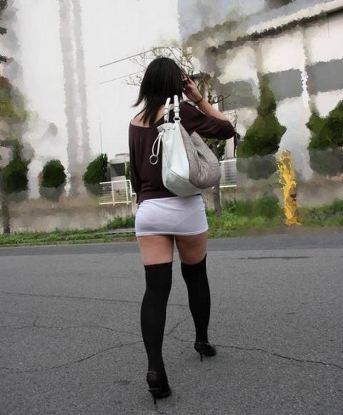 パンツが柄まで透けちゃってますがwwwwww★素人街撮りエロ画像・7枚目の画像