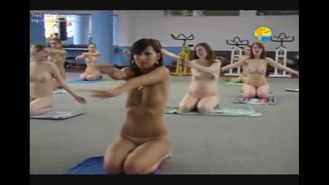 2015年日本でも流行る全裸ヨガの実態がこれwwwwww★全裸ヨガエロ画像・6枚目の画像