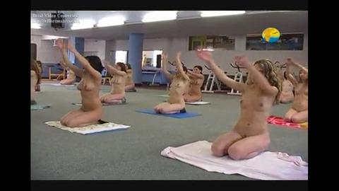 2015年日本でも流行る全裸ヨガの実態がこれwwwwww★全裸ヨガエロ画像・5枚目の画像