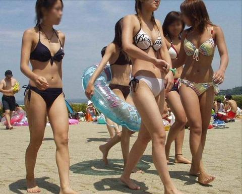 水着ギャルすれすれの股間良すぎるwwwwwww★素人エロ画像・6枚目の画像