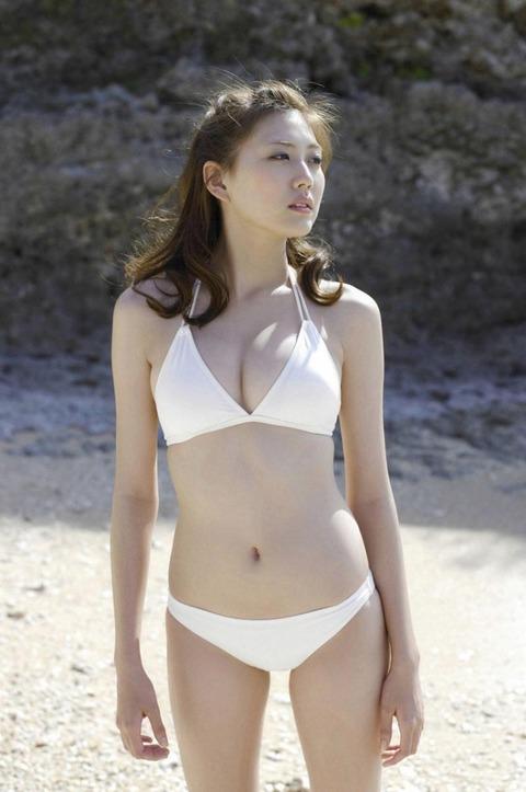 岩崎名美とかいう未成年のクセに大人オンナの身体してるモデルwwwwwwww★岩崎名美エロ画像・9枚目の画像