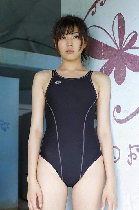岩崎名美とかいう未成年のクセに大人オンナの身体してるモデルwwwwwwww★岩崎名美エロ画像・24枚目の画像