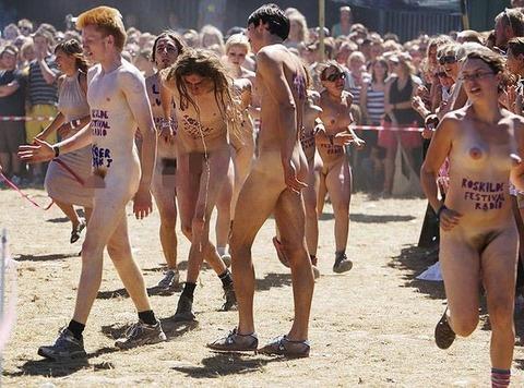 全裸でスポーツしまくってるマジキチな外人ワロタwwwwww★外国人エロ画像・10枚目の画像
