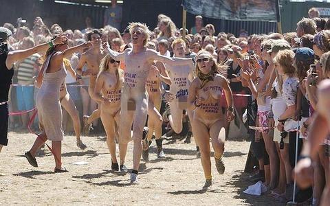 全裸でスポーツしまくってるマジキチな外人ワロタwwwwww★外国人エロ画像・22枚目の画像