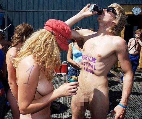 全裸でスポーツしまくってるマジキチな外人ワロタwwwwww★外国人エロ画像・23枚目の画像