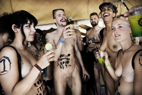 全裸でスポーツしまくってるマジキチな外人ワロタwwwwww★外国人エロ画像・3枚目の画像