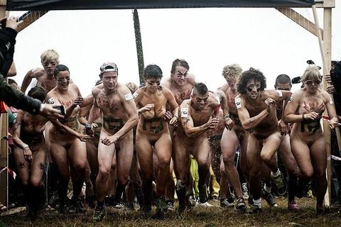 全裸でスポーツしまくってるマジキチな外人ワロタwwwwww★外国人エロ画像・20枚目の画像