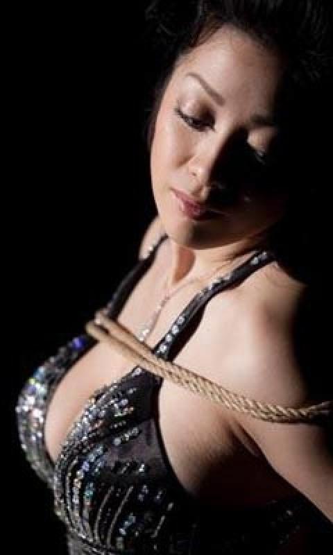 逮捕された小向さんが受けた拷問がこれwwwwwww★小向美奈子エロ画像・5枚目の画像