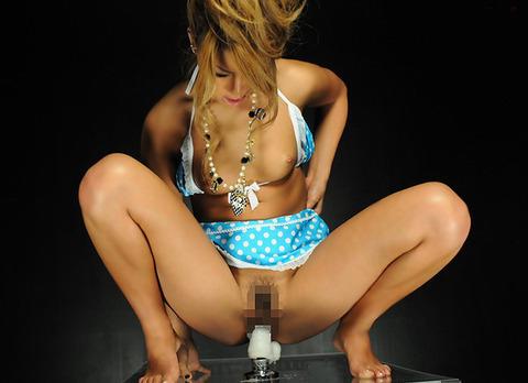 ま●こ極太のディルドぶっこんで騎乗位するオナニスト女子wwwwww★ディルドオナニーエロ画像・6枚目の画像