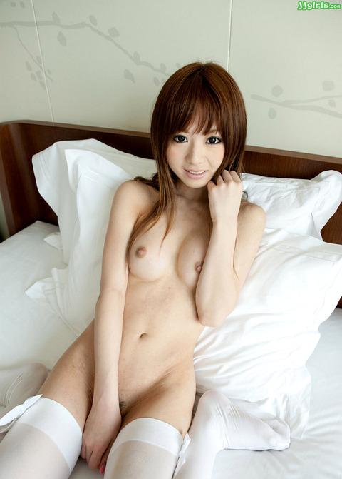 もう一歩で全裸なんだがwwwwwwww★裸靴下エロ画像・31枚目の画像