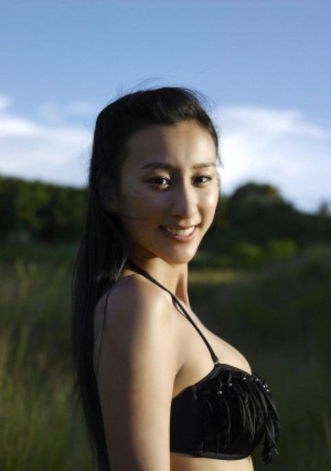 浅田舞のグラビア画像がエロ本レベルにエロいんだがwwwwwww★浅田舞エロ画像・25枚目の画像