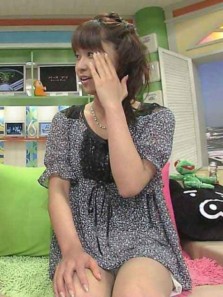 女子アナとか芸能人の胸チラとかパンチラエロくてまたヨダレ出たwwwwwww★芸能エロ画像・11枚目の画像