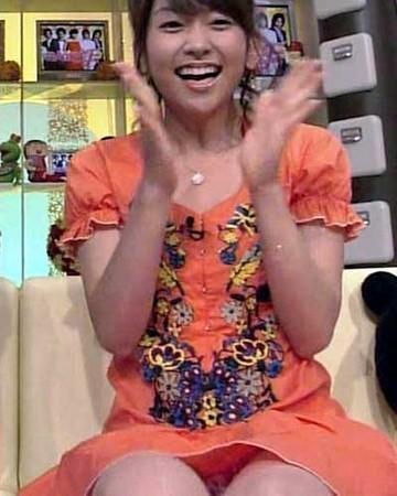 女子アナとか芸能人の胸チラとかパンチラエロくてまたヨダレ出たwwwwwww★芸能エロ画像・36枚目の画像