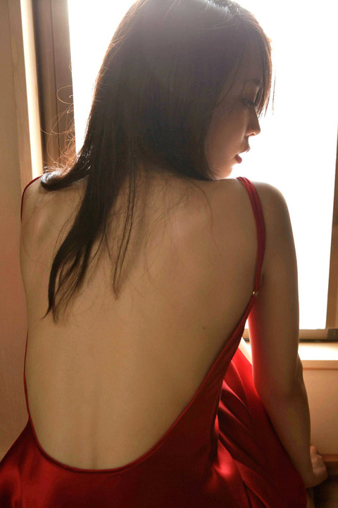 背中や後姿がエゲツなく綺麗な人達の画像まとめwwwww★背中エロ画像・8枚目の画像