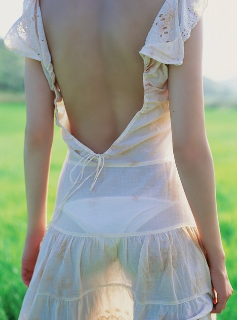 背中や後姿がエゲツなく綺麗な人達の画像まとめwwwww★背中エロ画像・10枚目の画像