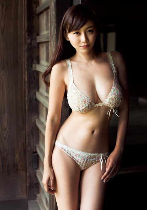 32歳でこの身体はエロすぎだろwwwwww★杉原杏璃エロ画像・13枚目の画像