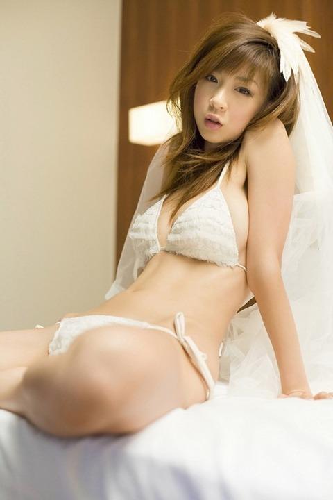 hoshino_aki_2979-032s