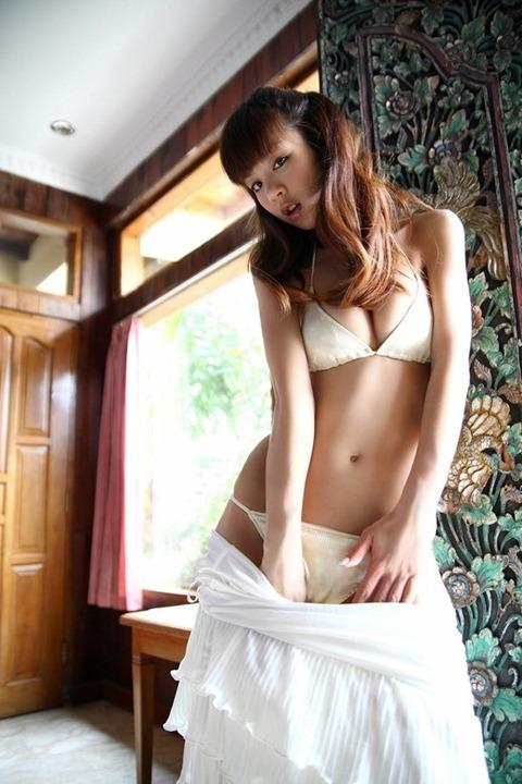 hoshino_aki_2979-071s