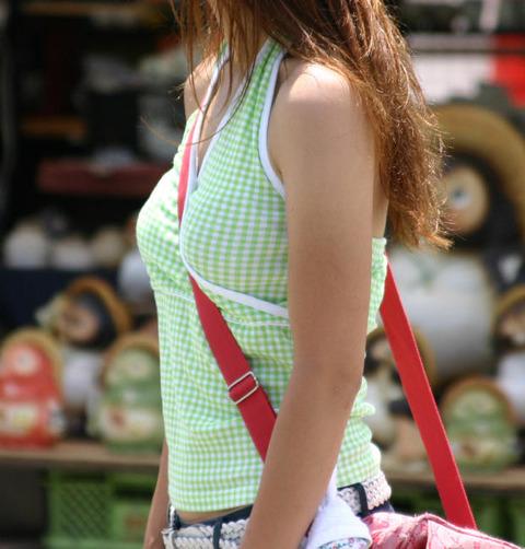 真夏のパイスラまじヤバすwwwwwww★素人街撮りエロ画像・4枚目の画像