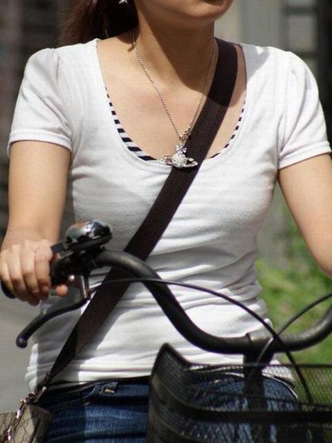 真夏のパイスラまじヤバすwwwwwww★素人街撮りエロ画像・10枚目の画像