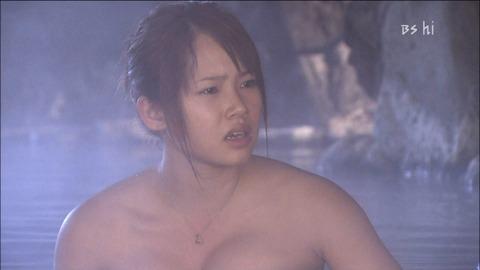 テレビで放送された芸能人やアイドルが極限まで露出した入浴シーンをまとめてみたwwwwww★入浴エロ画像・9枚目の画像