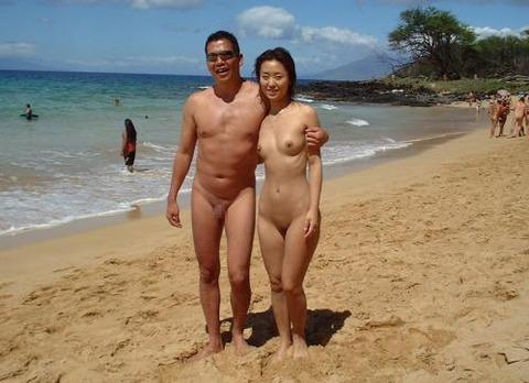 不純な動機でヌーディストビーチに行くビッチな外人たちの画像まとめwwwwwww★外国人エロ画像・16枚目の画像