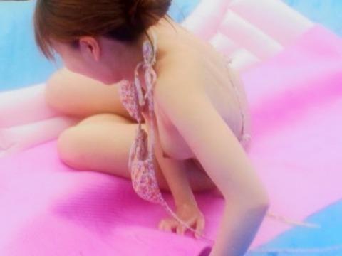 エグい破壊力でハプニング続出するウォータースライダーwwwww|PlaybcBack★エロ画像・5枚目の画像