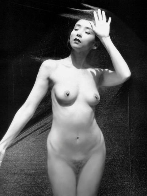 芸能人の陰毛画像★良しも悪しもヘアを出した芸能人の画像まとめv・36枚目の画像