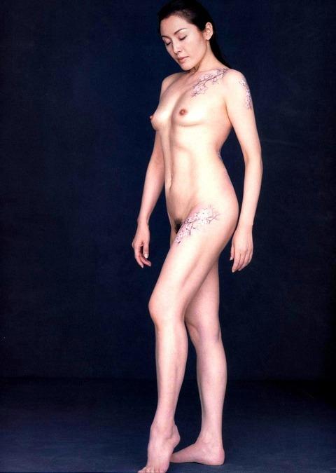 芸能人の陰毛画像★良しも悪しもヘアを出した芸能人の画像まとめv・25枚目の画像
