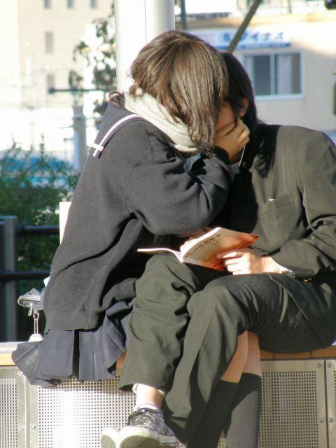 公共の場でエロい事してる若者をまんまと盗撮した結果wwwwww★素人エロ画像・22枚目の画像