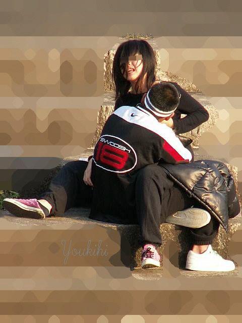 公共の場でエロい事してる若者をまんまと盗撮した結果wwwwww★素人エロ画像・13枚目の画像