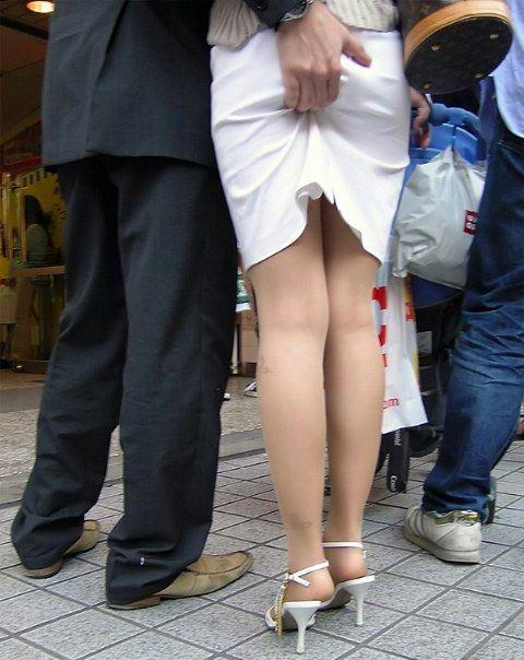 公共の場でエロい事してる若者をまんまと盗撮した結果wwwwww★素人エロ画像・15枚目の画像