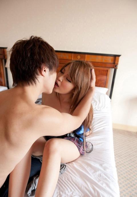 yurino_momo_1809_060s