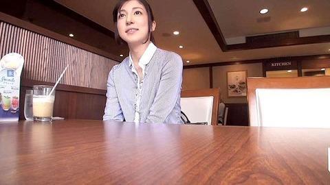 34歳人妻・元モデルさん【長谷川栞】打たれっぱなし ハメ撮りエロ画像・2枚目の画像