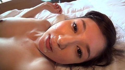34歳人妻・元モデルさん【長谷川栞】打たれっぱなし ハメ撮りエロ画像・21枚目の画像