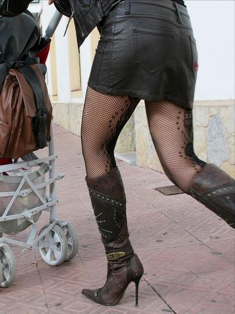 こんなエロい網タイツ履いてると素人と言えども勃起しそうなんだがwwwwwwww★素人網タイツ・黒ストエロ画像・16枚目の画像